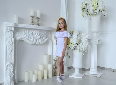 Платье белоое с кружевом