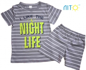 Футболка и шорты - Ночная жизнь