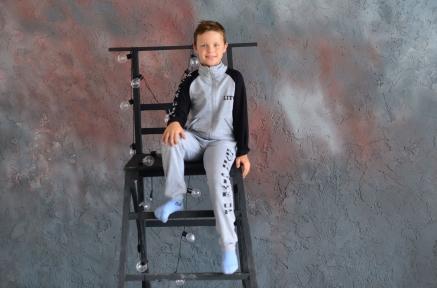 Спортивный костюм NEVER GIVE UP, серый